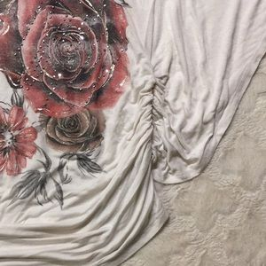 Code Vintage Tops - Pre-Owned Code Vintage Rose Batwing Top, L